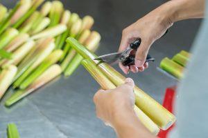 煮茭白筍要先剝殼嗎?