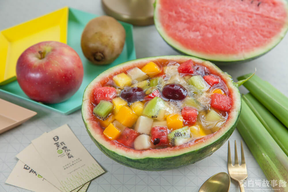 茭白筍創意料理-蔬果西瓜盅