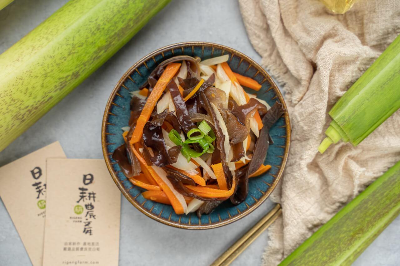 筊白筍料理-茭白筍炒木耳-炒茭白筍