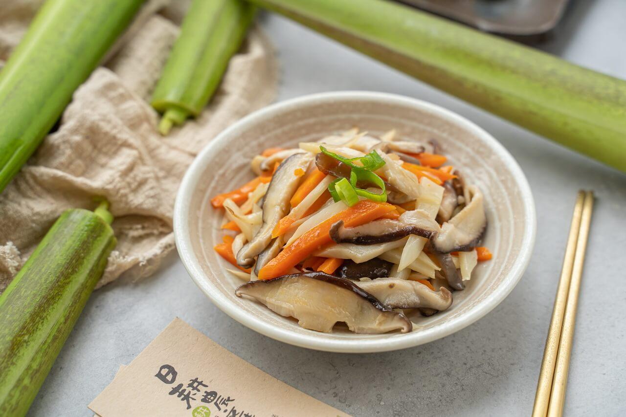 筊白筍料理-茭白筍炒香菇-炒茭白筍