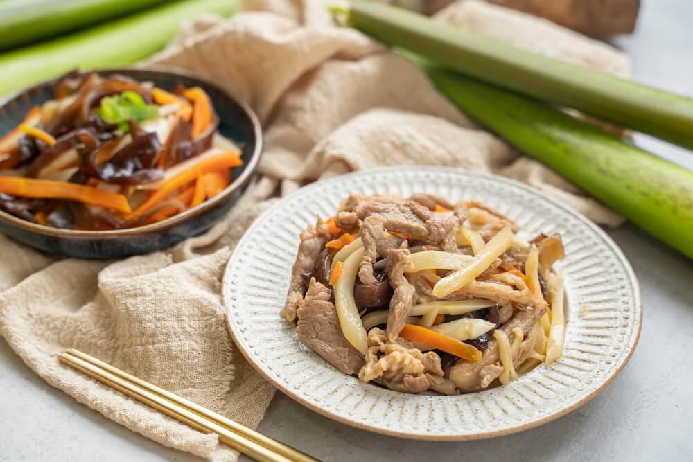 筊白筍料理-茭白筍炒肉絲-炒茭白筍