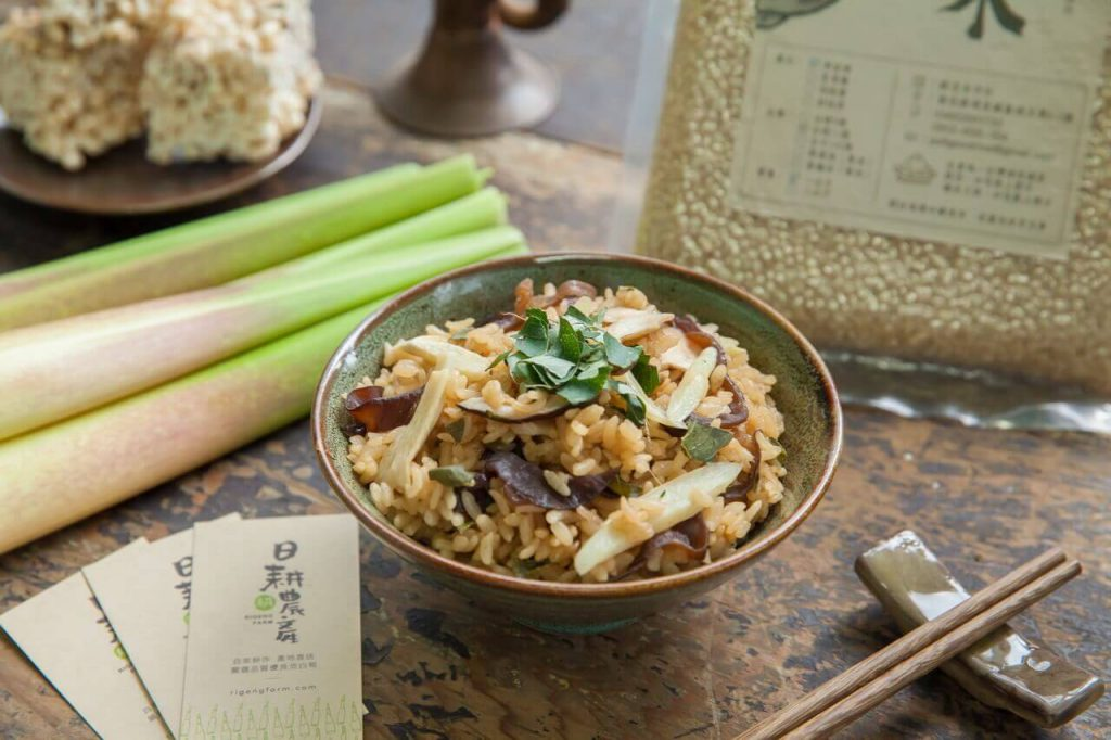 筊白筍料理-刺蔥茭白筍炊飯